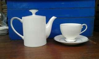Tea set  st james