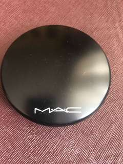 MAC MINERALIZE SKINFINISH IN MEDIUM PLUS