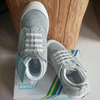 🚚 Volley休閒童鞋