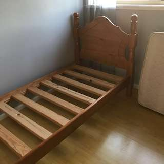 Wooden frame for single bed MATTRESS INCLUDED