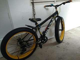Big wheel fat bike