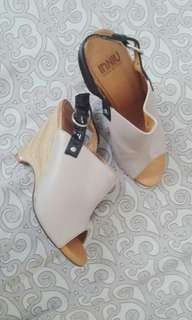 REPRICED InNIU WEDGE SHOES