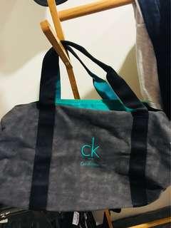 🚚 CK 旅行袋 綠