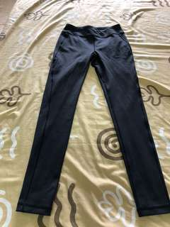 Orig uniqlo black leggings