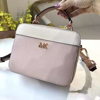 😍 SALE Michael Kors 4️⃣ colours
