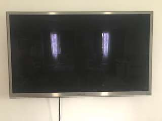 "64""Samsung Plasma 3D Smart TV"