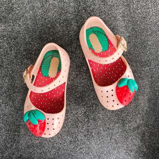 Mini Melissa Strawberry