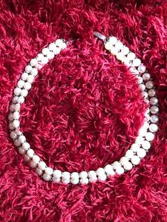 Pearl necklace/choker