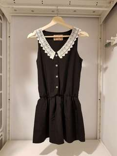 🚚 【YU YU LADIES STYLE】正韓 蕾絲領無袖質感連身裙