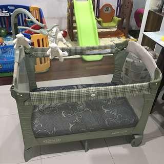 Graco baby crib