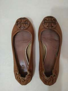 Sepatu tory burch