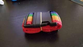 彩色旅行箱帶旅行扣