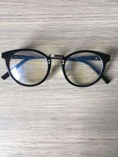 Kacamata baca normal