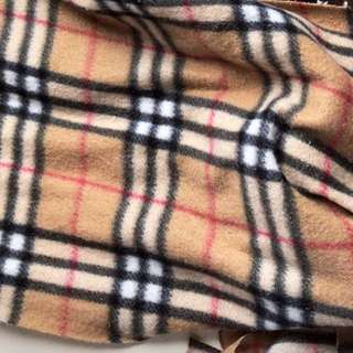 LOOKING FOR: cream plaid scarf