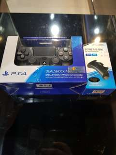 PS4 Dual shock 4 Controller version 2 + battery pack