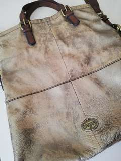 Fossil leather bad