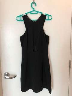 H&M Little back dress with peep hole