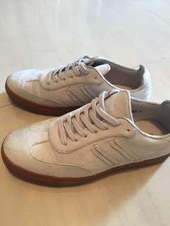 Zalora Side Stitching Detail Sneakers
