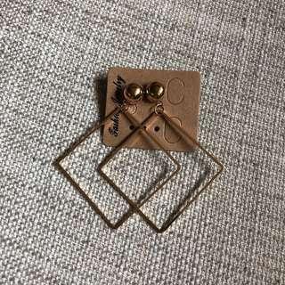 [全新] 金色幾何正方形耳環