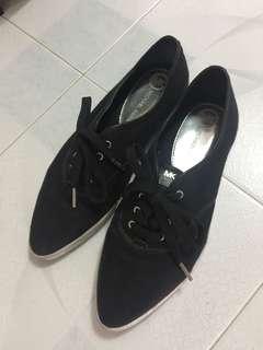MK尖頭平底鞋