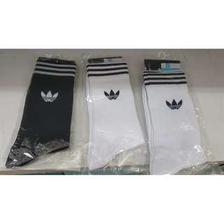[Adidas] WHITE / BLACK SOCKS