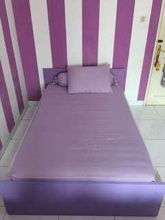 Rangka tempat tidur kayu + kasur