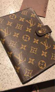 Louis Vuitton Medium Agenda