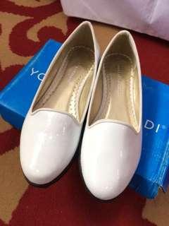 [ Baru ] Flatshoes Yongki Komaladi