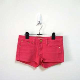 🚚 純棉桃紅色金釦短褲