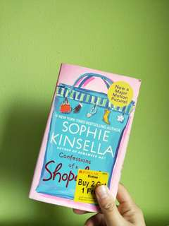 🚚 Sophie Kinsella's Confession Of A Shopaholic