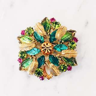 Vintage Moulded Glass Tropicana Brooch