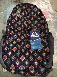 Nomi backpack
