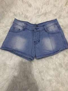Celana pendek nudie jeans size 29