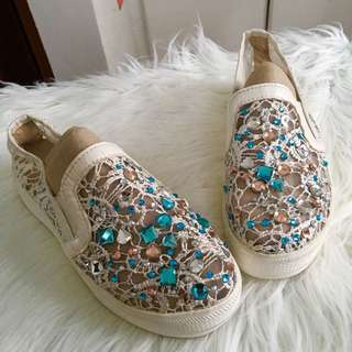 Blinged laced platform shoes
