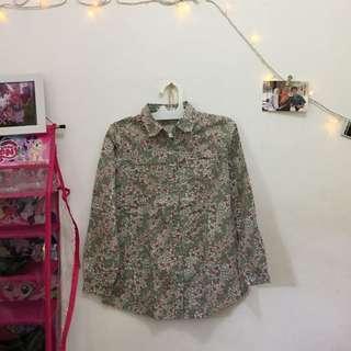 flowery tshirt