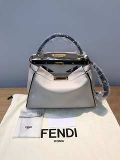 🔥全新 Fendi Regular Peekaboo