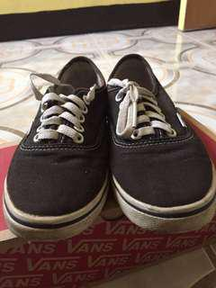 Authentic Vans US5
