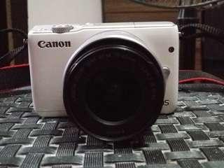Canon Eos m10 mirrorless dslr