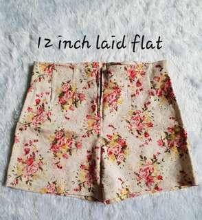 Semi hi waist shorts