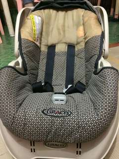 Graco car seat (negotiable)