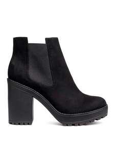 REDUCED H&M Black Chelsea Boots #KayaRaya #winsb