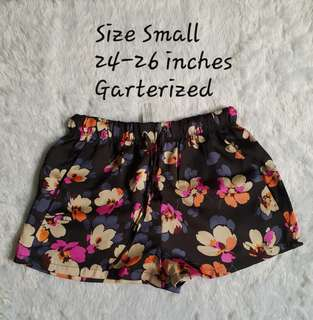 Hi waist floral shorts