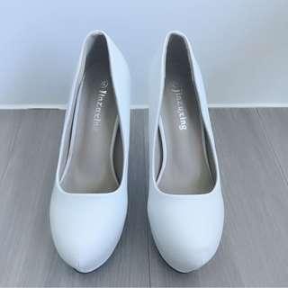 🚚 厚底高跟圓頭包鞋 白