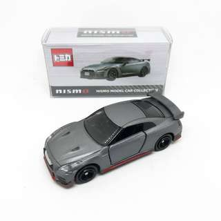 Takara Tomy Tomica Nissan GT-R Nismo Model Car Collection