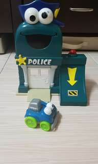 Giggle' N Go Police Set by Fisher-Price