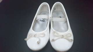 Sepatu toe zone by payless white ballet