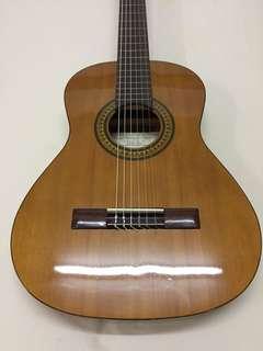 Manuel Rodriguez Solid Cedar Top travel size (3/4) Classical Guitar