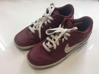 Maroon Nike Sneakers - Size 39/8