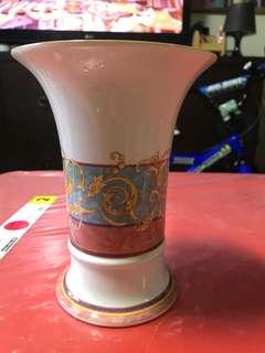 Porcelain Vas