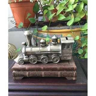Vintage Hang Seng coin bank - Train Locomotive
